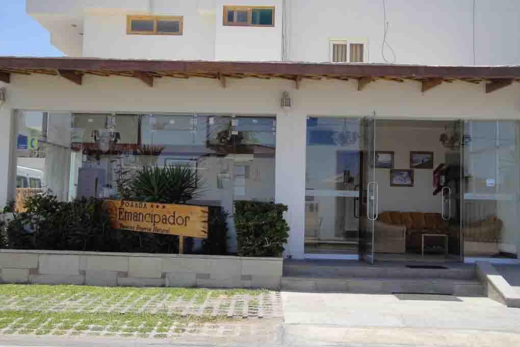 Hotel emancipador entree toperu for Entree hotel