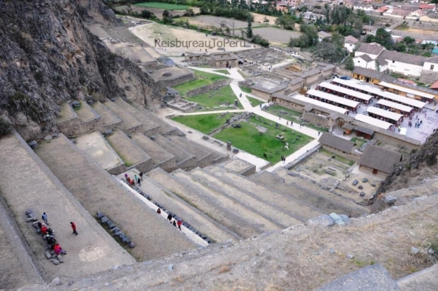 Typische Inca terrassen in het fort te Ollantaytambo