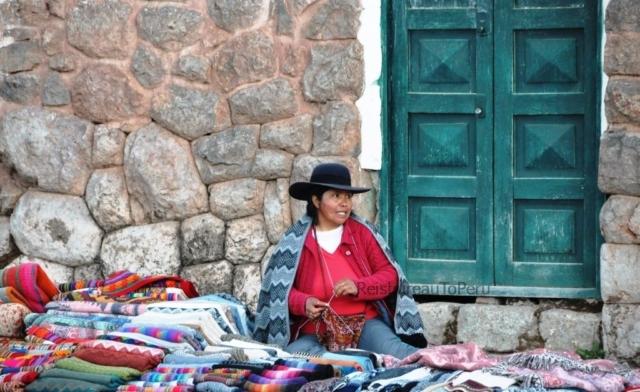Straatverkoopster markt Pisac