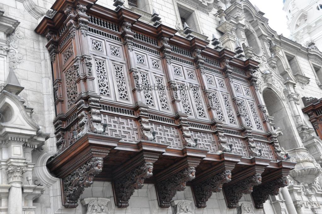 Houten balkons, koloniale stijl, historisch centrum Lima