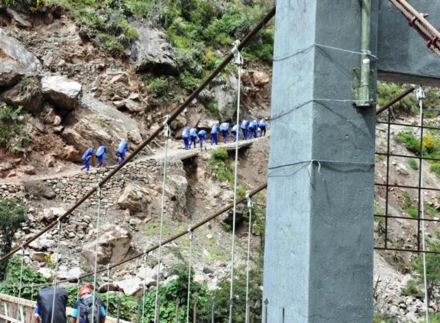 Een groep dragers tijdens de Inca Trail